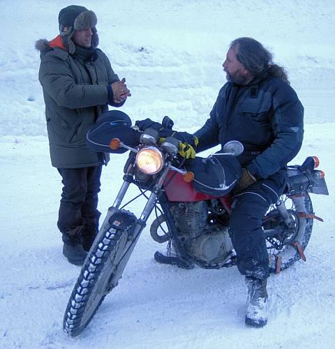 welches motorrad ist f r winter schneefahrten geeignet. Black Bedroom Furniture Sets. Home Design Ideas